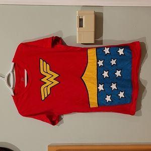 NWOT DC Comics Wonder Woman graphic tee
